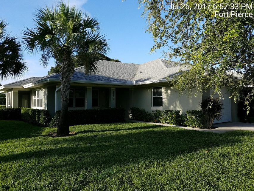 Co-op / Condo للـ Sale في 1752 N Dovetail Drive 1752 N Dovetail Drive Fort Pierce, Florida 34982 United States