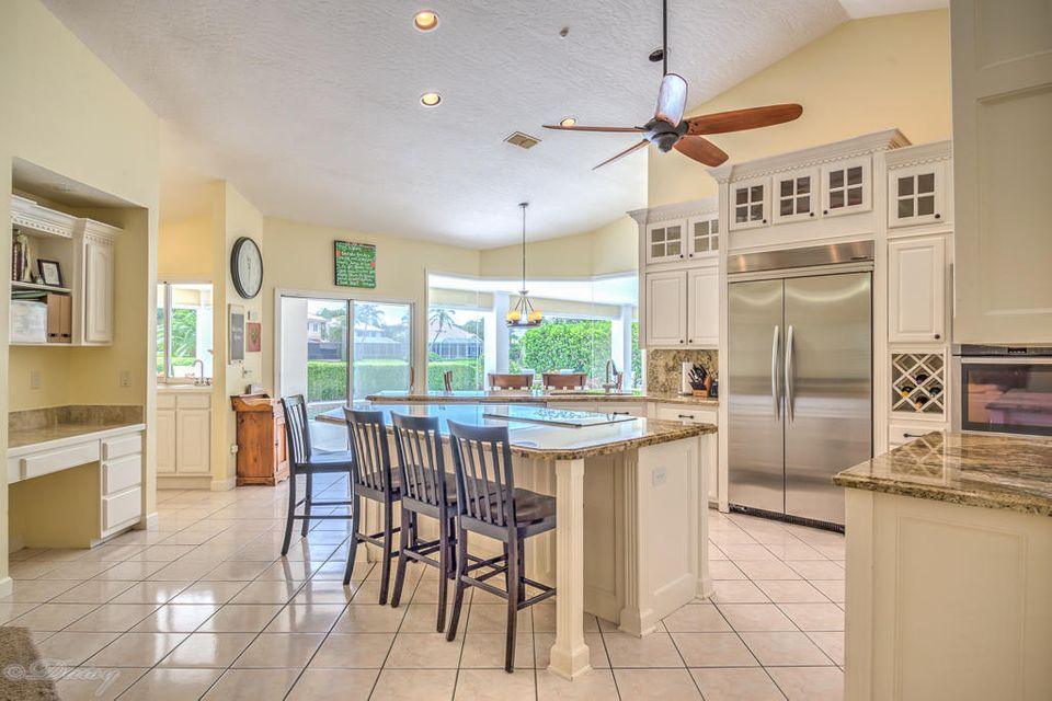 Additional photo for property listing at 230 Riverway Drive 230 Riverway Drive Vero Beach, Florida 32963 États-Unis
