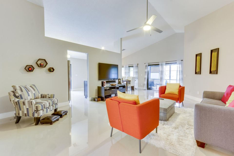 Additional photo for property listing at 127 Executive Circle 127 Executive Circle Boynton Beach, Florida 33436 United States