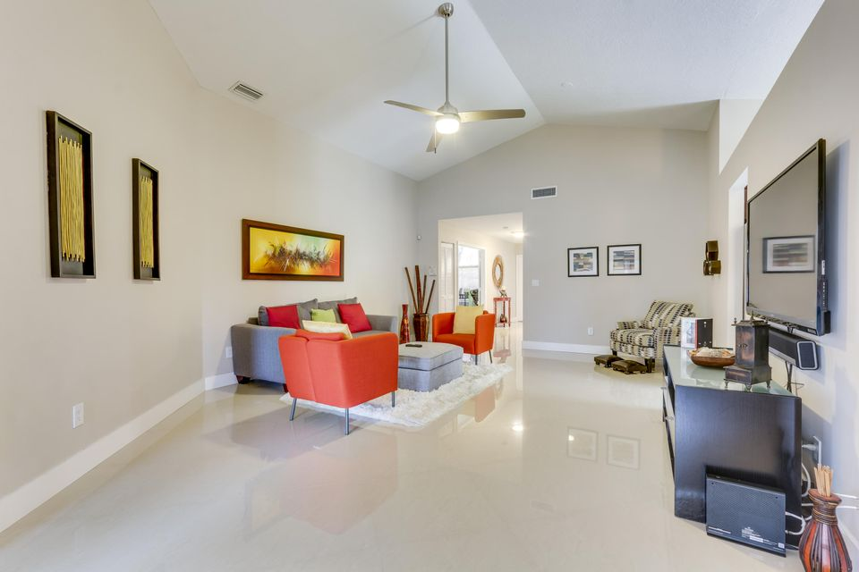 Additional photo for property listing at 127 Executive Circle  Boynton Beach, Florida 33436 United States