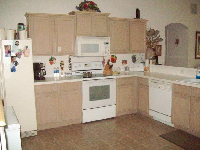 Additional photo for property listing at 474 SW Jeanne Avenue  Port St. Lucie, Florida 34953 United States