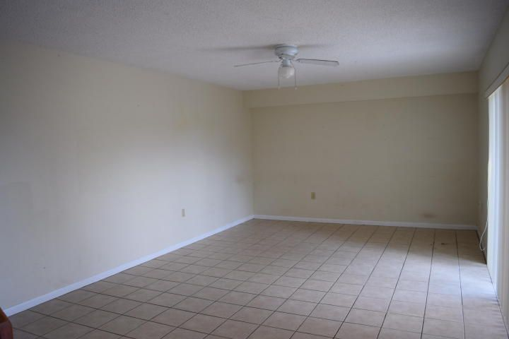 Additional photo for property listing at 4112 41st Way 4112 41st Way West Palm Beach, Florida 33407 Estados Unidos