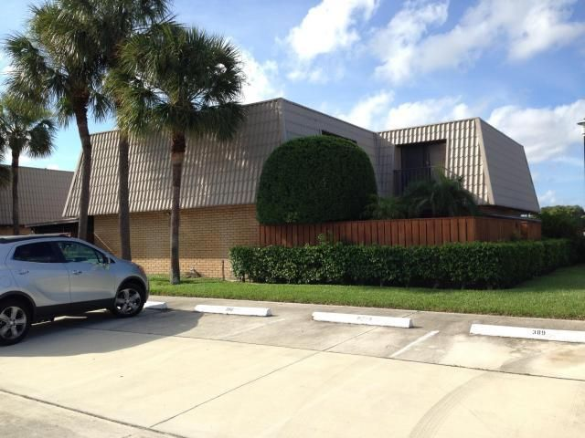 Additional photo for property listing at 6312 63rd Way  West Palm Beach, Florida 33409 États-Unis