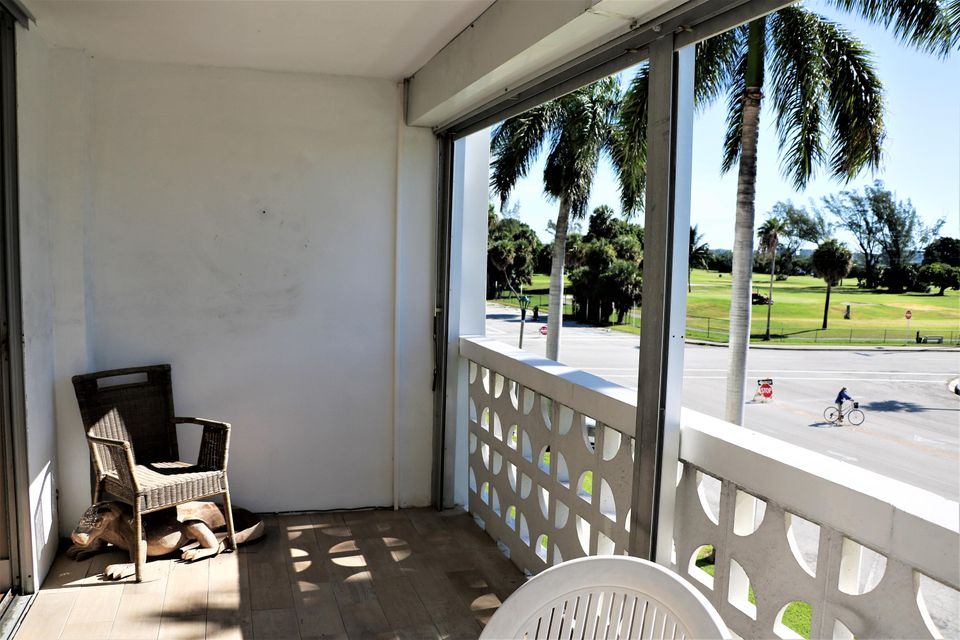 Additional photo for property listing at 1 N Golfview Road  Lake Worth, Florida 33460 United States