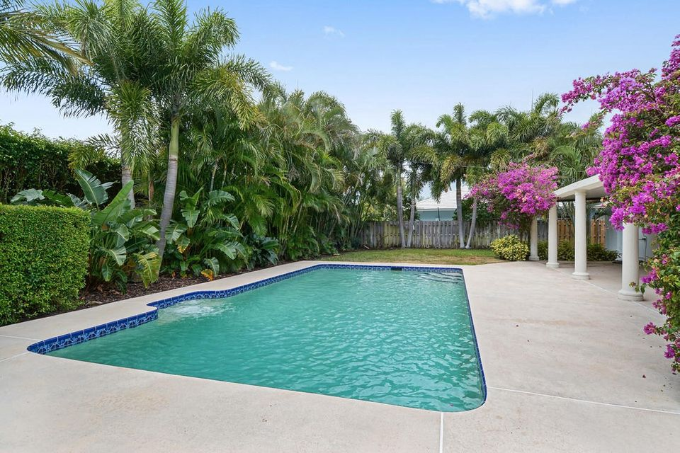 Additional photo for property listing at 212 Gray Street 212 Gray Street West Palm Beach, Florida 33405 Estados Unidos