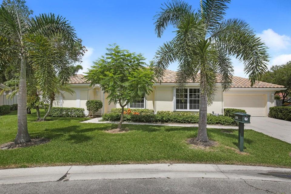 Casa para uma família para Venda às 326 Eagleton Golf Drive Palm Beach Gardens, Florida 33418 Estados Unidos