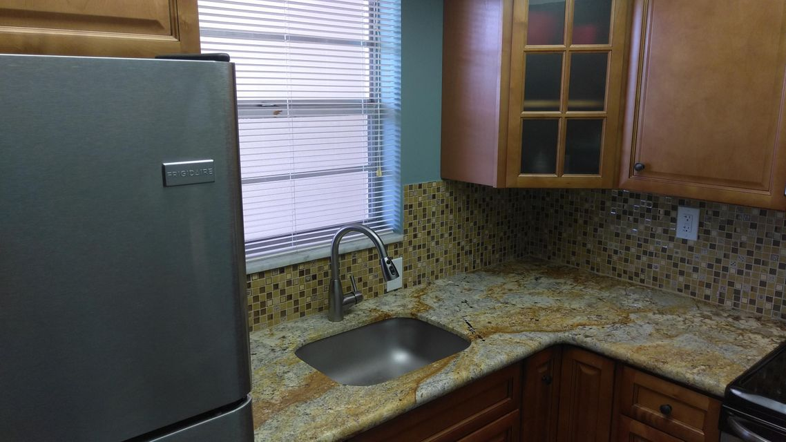 Additional photo for property listing at 1810 New Palm Way 1810 New Palm Way Boynton Beach, Florida 33435 Vereinigte Staaten