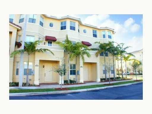Townhouse for Sale at 1902 Shoma Drive Royal Palm Beach, Florida 33414 United States