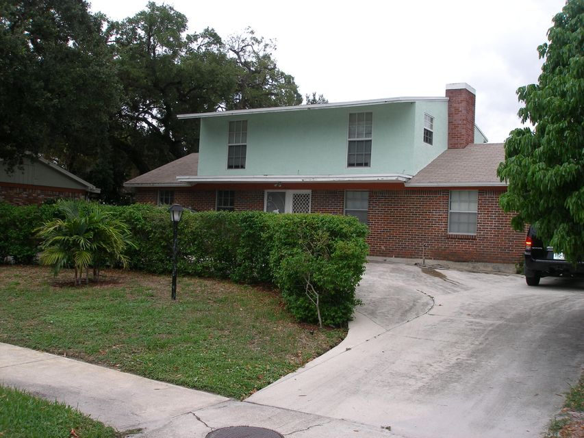 Single Family Home for Sale at 814 Poplar Drive Lake Park, Florida 33403 United States