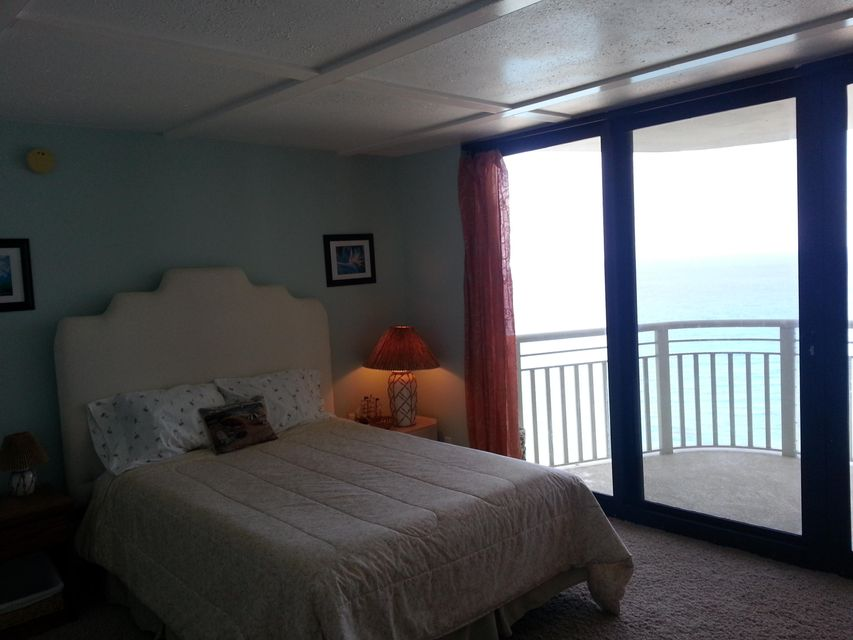 Additional photo for property listing at 3000 N Ocean Drive 3000 N Ocean Drive Singer Island, Florida 33404 United States