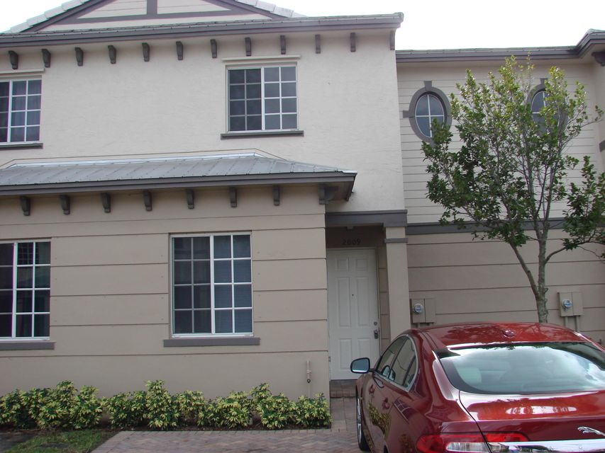 Additional photo for property listing at 2009 Nassau Drive  Riviera Beach, 佛罗里达州 33404 美国