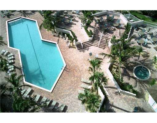 Additional photo for property listing at 3000 N Ocean Drive 3000 N Ocean Drive Singer Island, Florida 33404 Estados Unidos