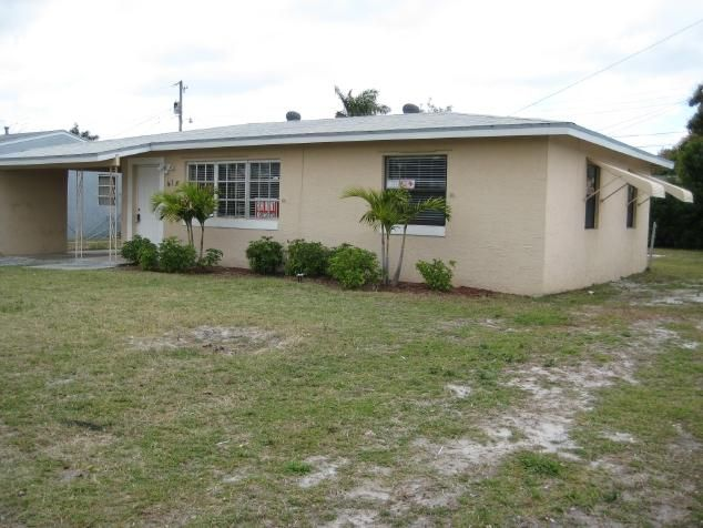 315 NE 23rd Avenue  is listed as MLS Listing RX-10362955