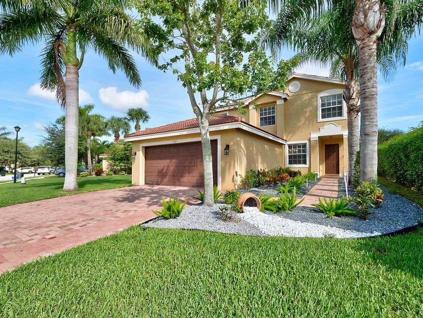7829 Jewelwood Drive, Boynton Beach, FL 33437