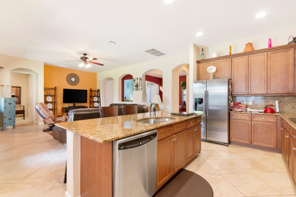 16003 Rosecroft Terrace Delray Beach FL 33446 - photo 4
