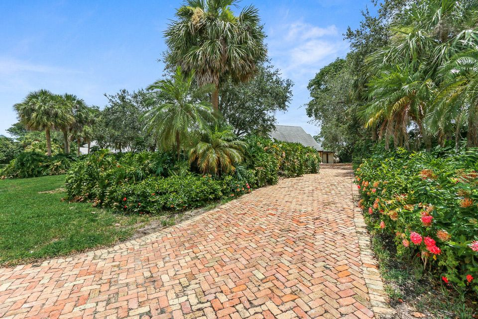 Additional photo for property listing at 12418 Ridge Road 12418 Ridge Road North Palm Beach, Florida 33408 Estados Unidos