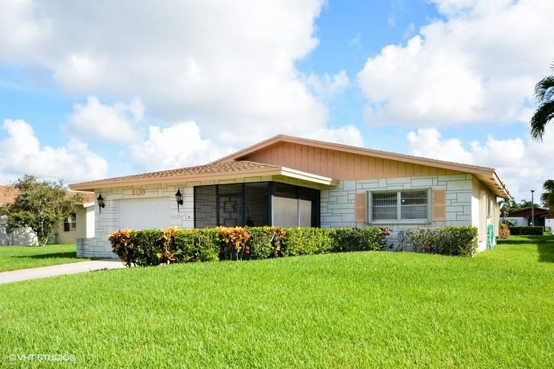 6133 Stanley Lane , Delray Beach FL 33484 is listed for sale as MLS Listing RX-10354290 30 photos