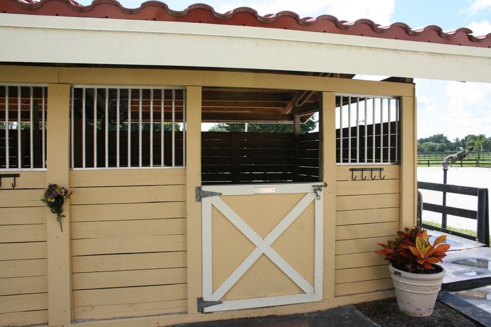 Additional photo for property listing at 14457 Draft Horse Ln - Stalls Only 14457 Draft Horse Ln - Stalls Only Wellington, Florida 33414 United States