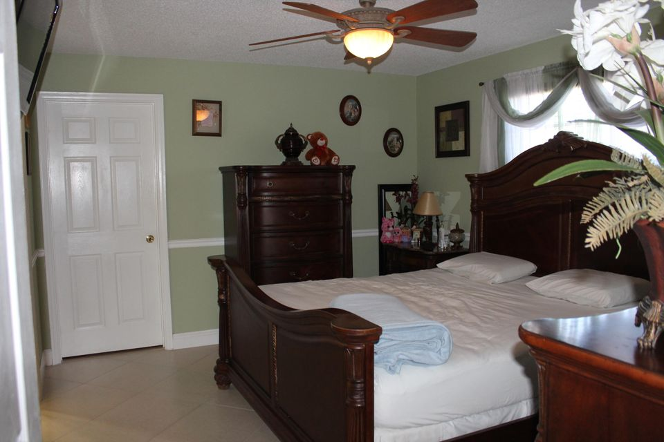 Additional photo for property listing at 4397 Ixora Circle  Lake Worth, Florida 33461 Estados Unidos