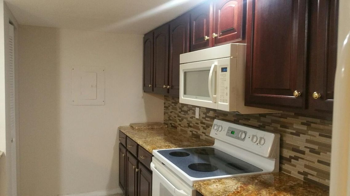 Additional photo for property listing at 1420 Apple Blossom Lane 1420 Apple Blossom Lane West Palm Beach, Florida 33415 Estados Unidos