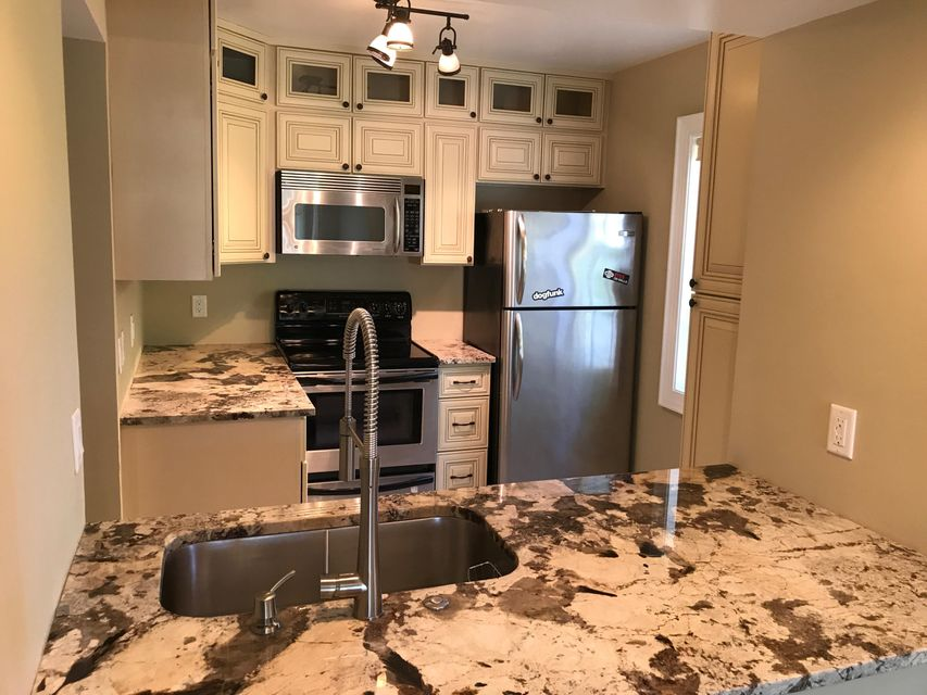 Additional photo for property listing at 1030 Lake Shore Drive  Lake Park, Florida 33403 United States