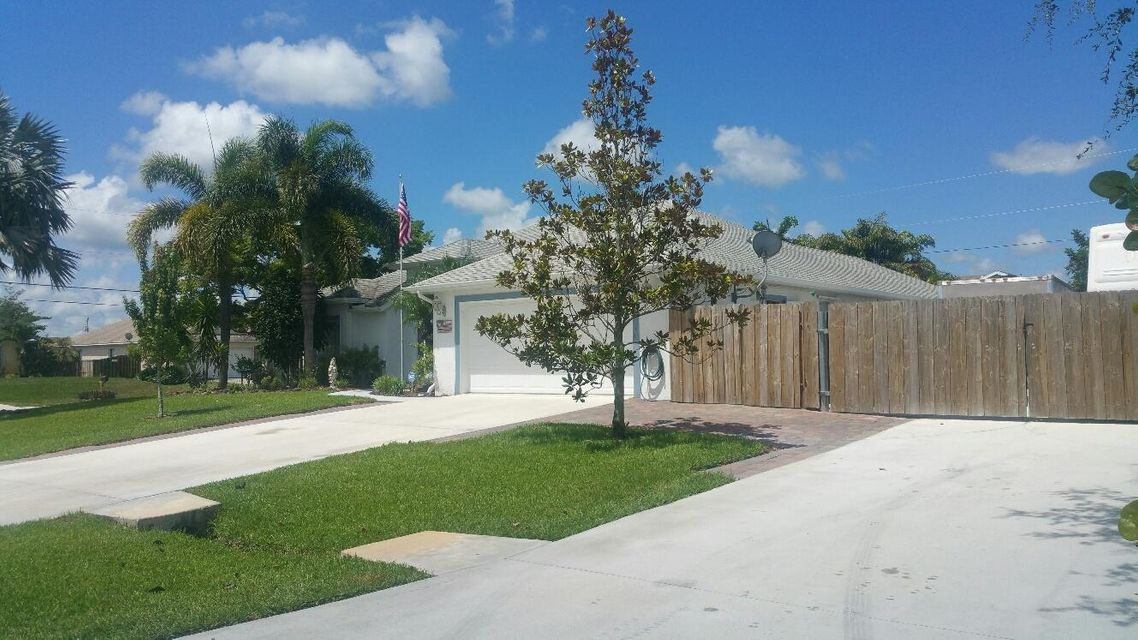 Additional photo for property listing at 4298 SW Carl Street  Port St. Lucie, Florida 34953 United States