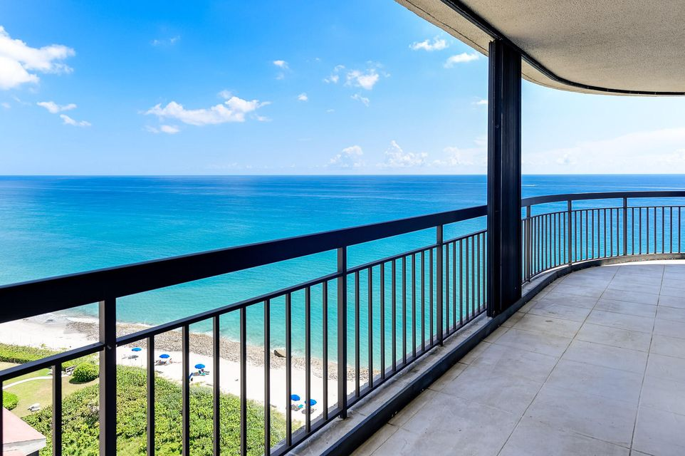 Additional photo for property listing at 4000 N Ocean Drive 4000 N Ocean Drive Singer Island, Florida 33404 United States
