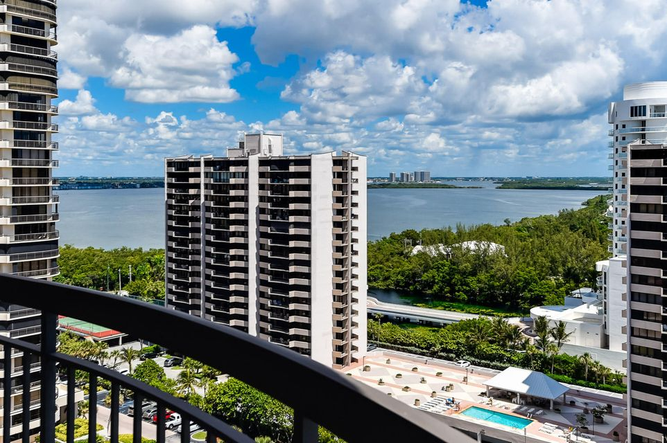 Additional photo for property listing at 4000 N Ocean Drive 4000 N Ocean Drive Singer Island, Florida 33404 Estados Unidos