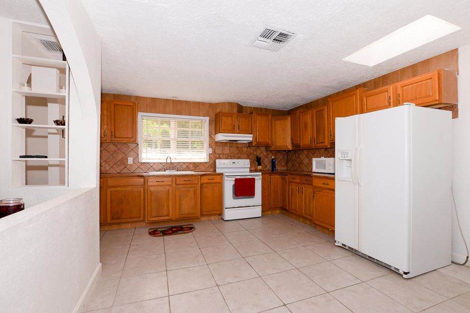 Additional photo for property listing at 264 NE Mainsail Street  Port St. Lucie, Florida 34983 United States