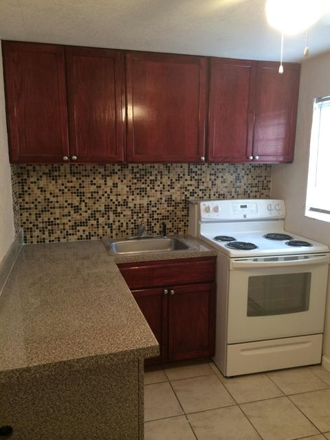 Additional photo for property listing at 5856 Garfield Street  Hollywood, Florida 33021 United States