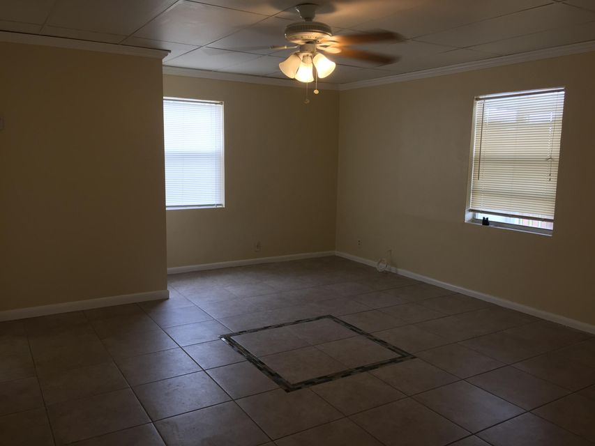 Additional photo for property listing at 5856 Garfield Street 5856 Garfield Street Hollywood, Florida 33021 États-Unis