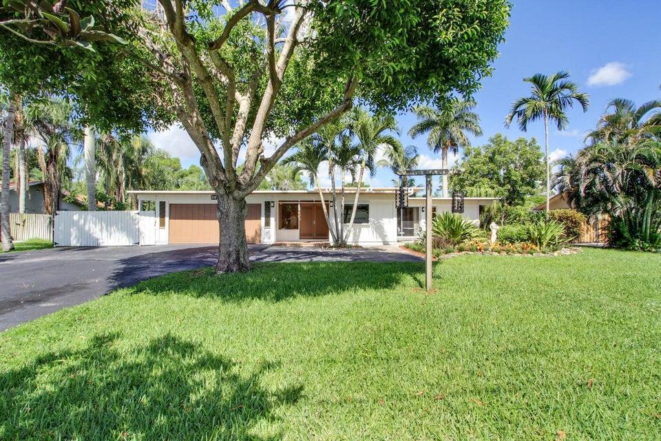 98 Barberton Road, Lake Worth, FL 33467