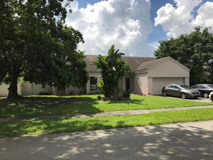 独户住宅 为 销售 在 2741 Buttonwood Avenue 米拉玛, 佛罗里达州 33025 美国