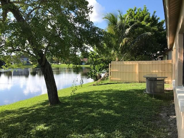 Additional photo for property listing at 5089 Willow Pond Road W  West Palm Beach, Florida 33417 Estados Unidos