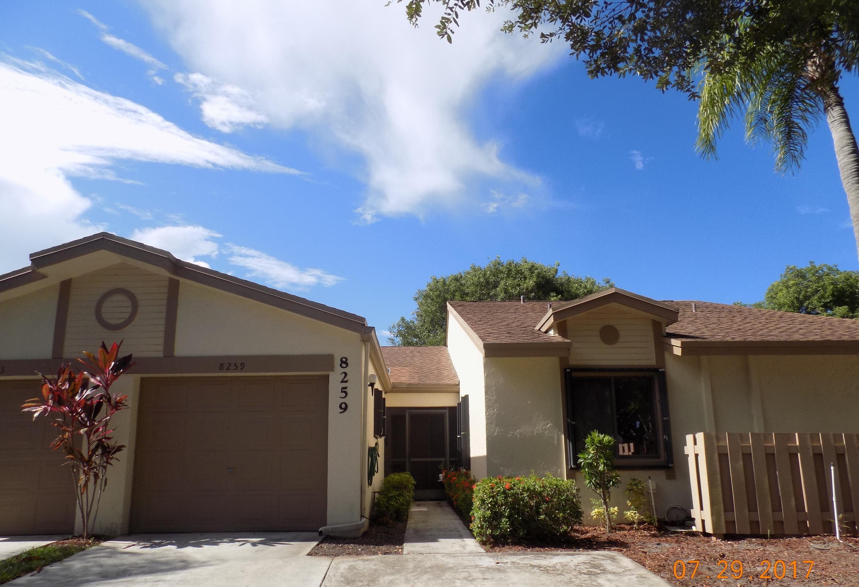 Villa للـ Sale في 8259 Whispering Palm Drive Boca Raton, Florida 33496 United States