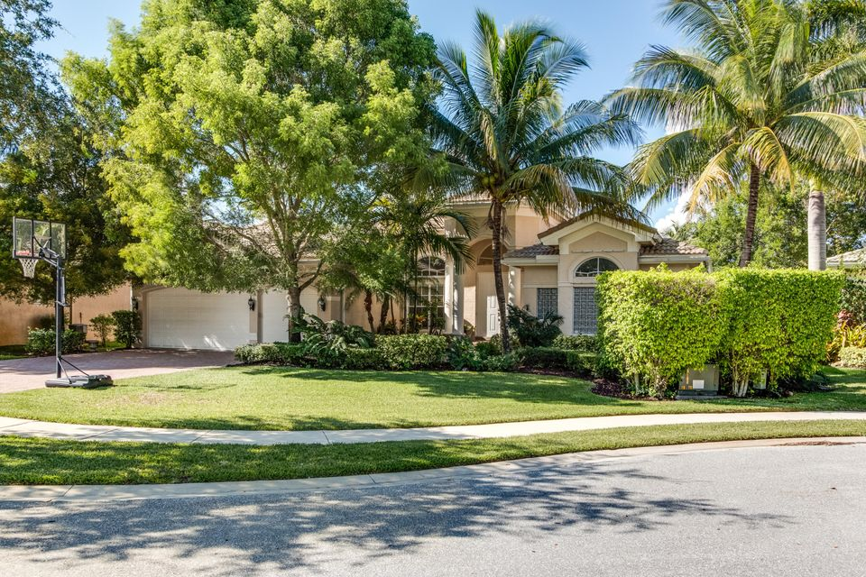8339  Emerald Winds Circle  is listed as MLS Listing RX-10331922