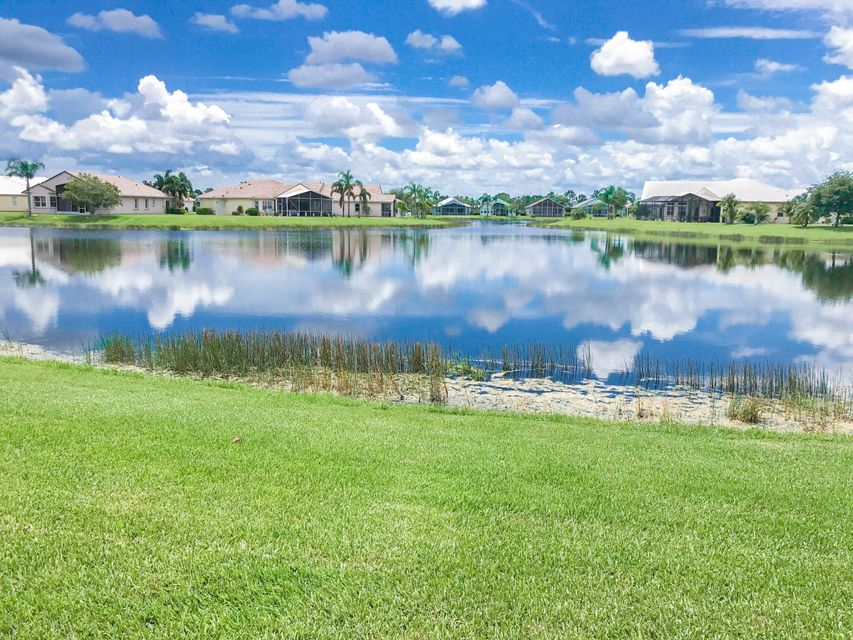 Additional photo for property listing at 148 NW Magnolia Lakes Boulevard  Port St. Lucie, Florida 34986 United States