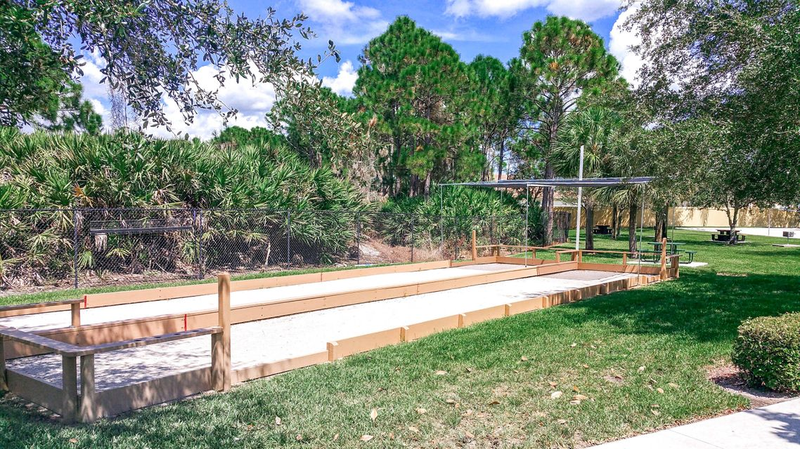 Additional photo for property listing at 148 NW Magnolia Lakes Boulevard 148 NW Magnolia Lakes Boulevard Port St. Lucie, Florida 34986 Estados Unidos