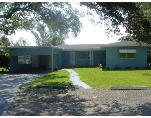 710 N Golfview Road, Lake Worth, FL 33460