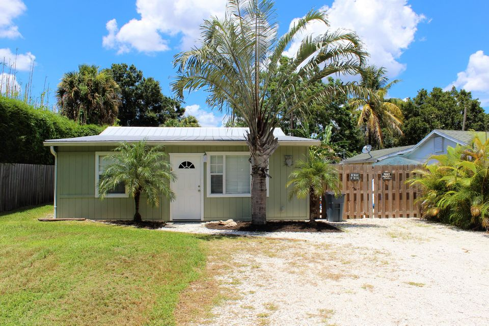 Single Family Home for Sale at 1043 SW 35th Street Palm City, Florida 34990 United States