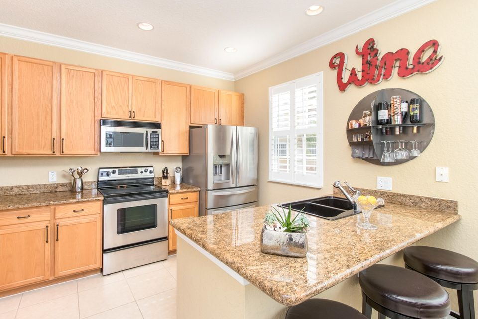 Townhouse for Sale at 290 NE 5th Avenue Delray Beach, Florida 33483 United States