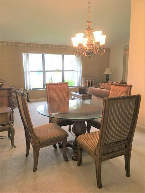 Additional photo for property listing at 135 Cordoba Circle  West Palm Beach, Florida 33411 United States