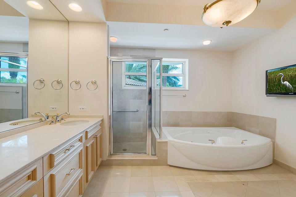 Additional photo for property listing at Address not available  Boca Raton, Florida 33432 Estados Unidos