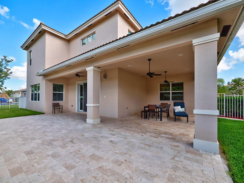 Additional photo for property listing at 8952 Cypress Grove Lane  West Palm Beach, Florida 33411 Estados Unidos