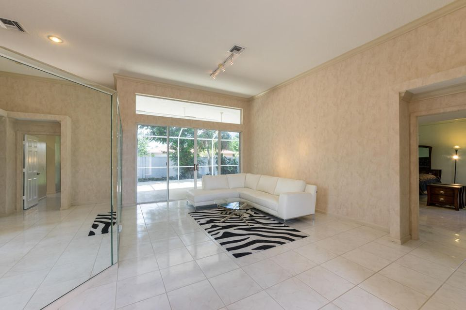 Additional photo for property listing at 8336 NW 40th Court  Coral Springs, Florida 33065 Estados Unidos