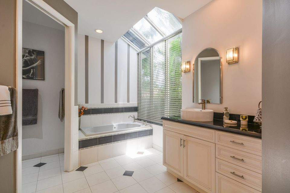 Additional photo for property listing at 10301 Shireoaks Lane  Boca Raton, Florida 33498 États-Unis