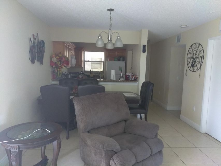 Additional photo for property listing at 1566 Lake Crystal Drive  West Palm Beach, Florida 33411 United States