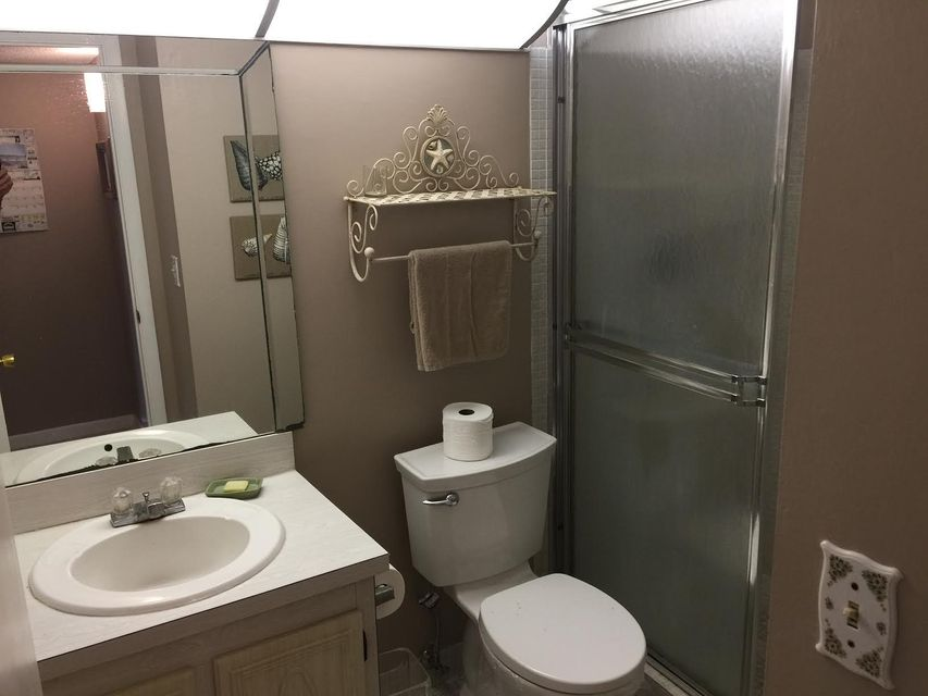 Additional photo for property listing at 22 Abbey Lane 22 Abbey Lane Delray Beach, Florida 33446 États-Unis