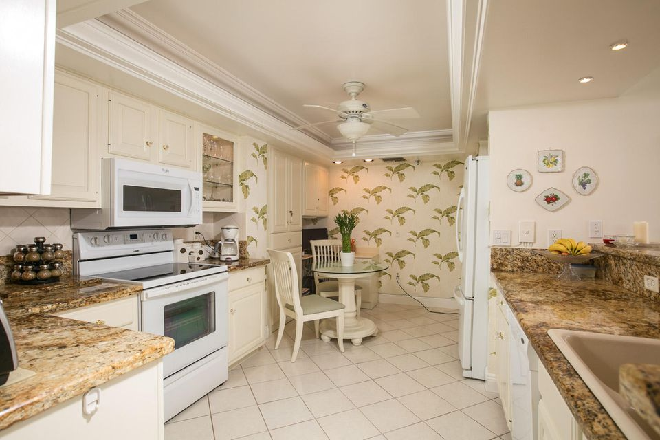 Additional photo for property listing at 5047 N A1a  # 902  Hutchinson Island, Florida 34949 United States