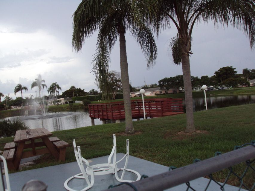 Additional photo for property listing at 215 High Point Court E 215 High Point Court E Delray Beach, Florida 33445 Vereinigte Staaten